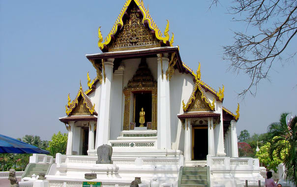 Wat_na_phra_meru__ayutthaya_c09.jpg