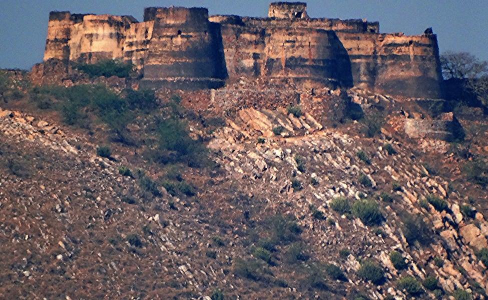 Achrol Fort Day Trek With Rappelling, Jaipur Flat 35% Off