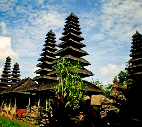 Full Day Ulun Danu, Taman Ayun & Tanah Lot Tour
