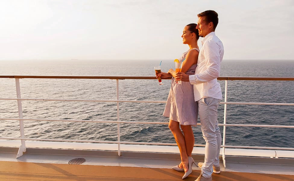 1562325071_1547649996_couple_cruise.jpg.jpg