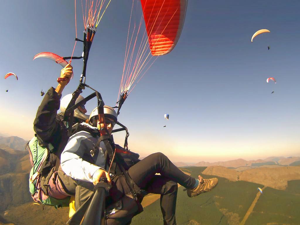 1513081259_paragliding_rishikesh.jpg