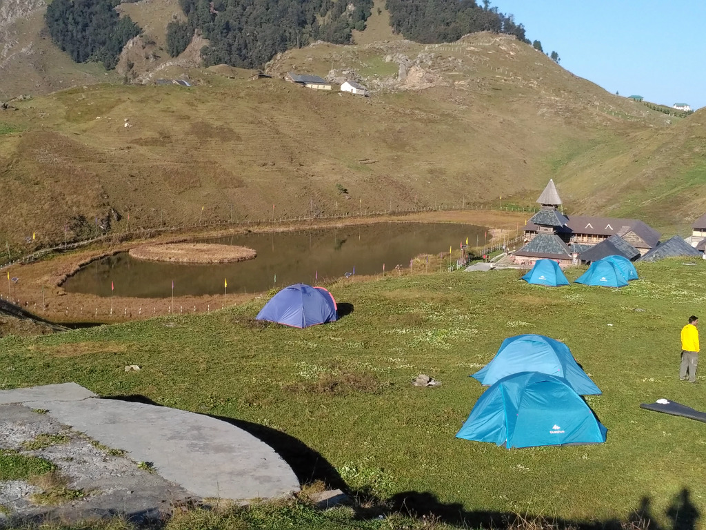 1533646307_prashar-lake1.jpg