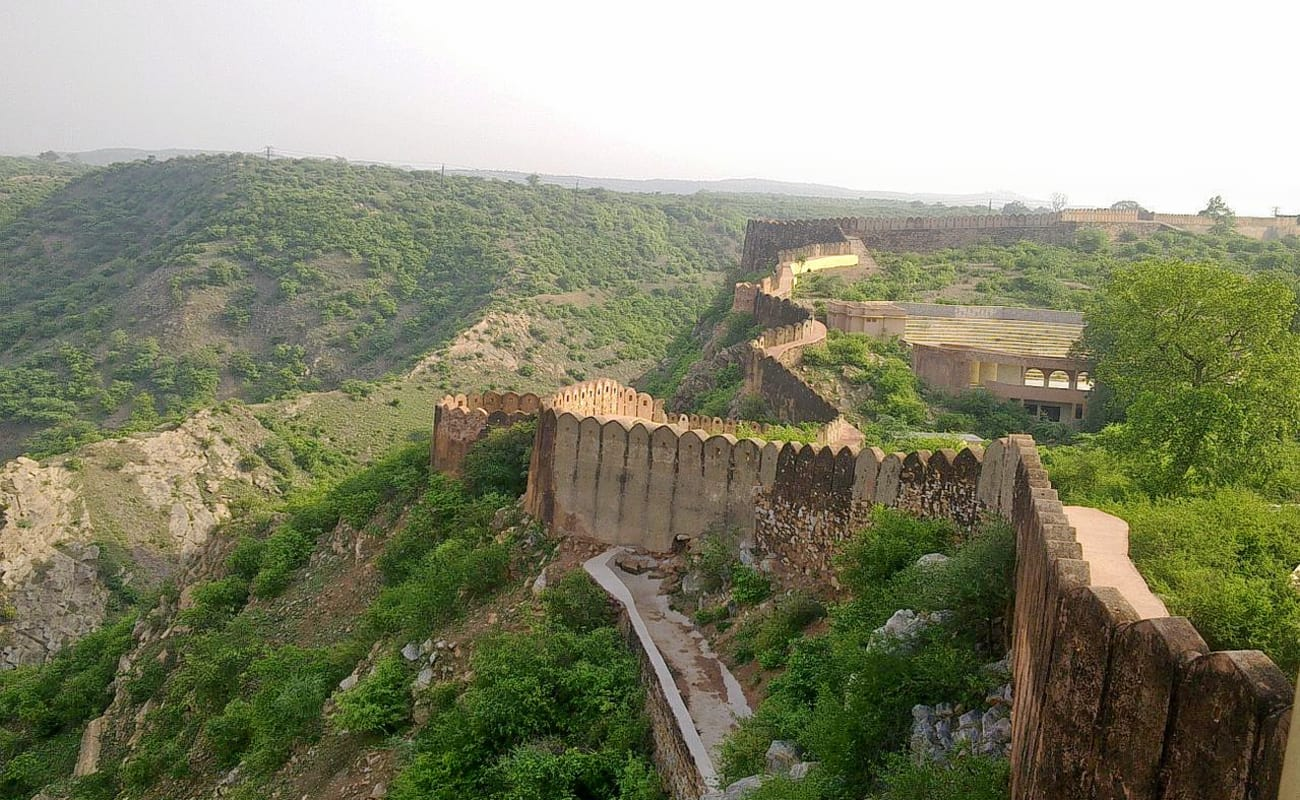 visit to jaipur A two day stay in jaipur is often sufficient to visit all of the major tourist sights and activities that the city has to offer introduction and brief overview of the 2 day jaipur tour the jaipur 2 day itinerary is divided into two distinct parts the first section includes the sights of the historic centre while the second part covers the.