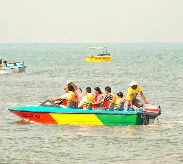 Speed Boat Ride at Mobor Beach, Goa