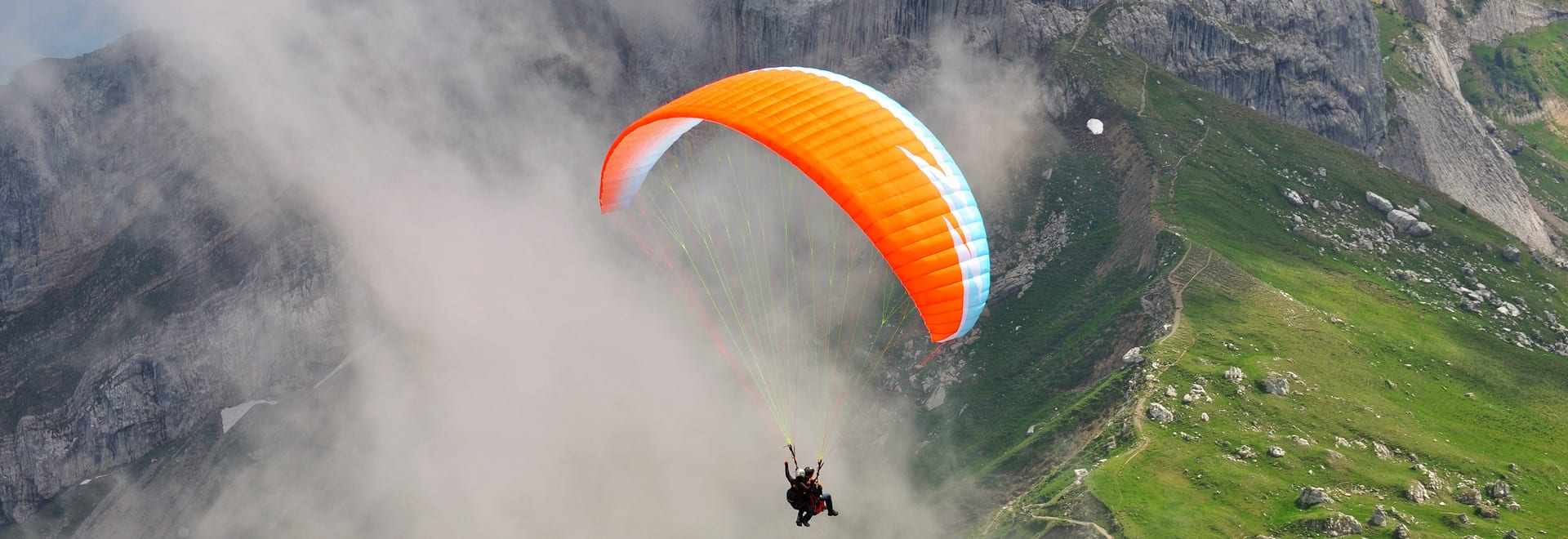 1488862893_paragliding-in-india_1438933021.jpg