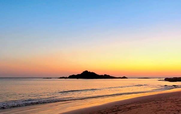 Travel_gokarna_5_sunset-at-om-beach_img_2593.jpg.jpg